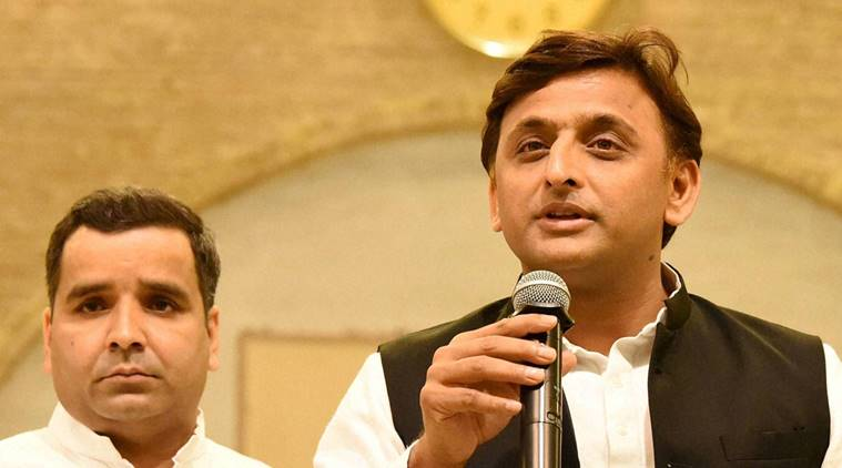 Akhilesh backs Rahul 'dalali' remark