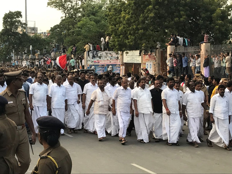 jayalalithaa-live-7