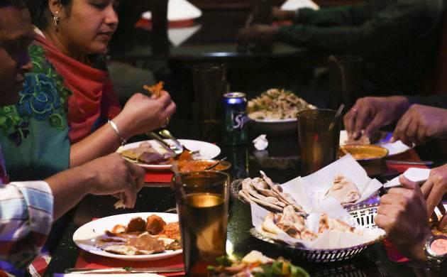 342062830-Restaurantdining_6