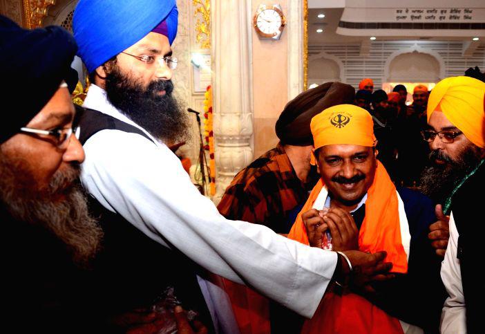delhi-chief-minister-arvind-kejriwal-pays-488356