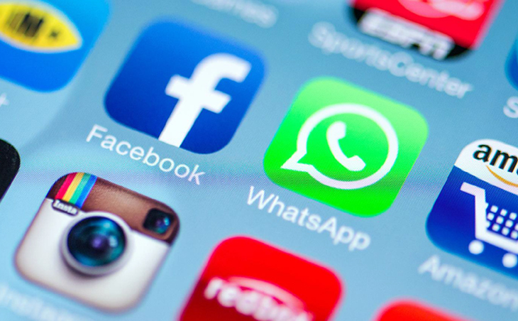 Facebook-buys-WhatsApp-feature1